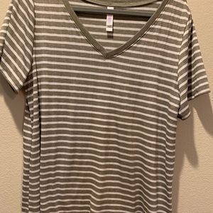 XL LuLaRoe Christy Shirt